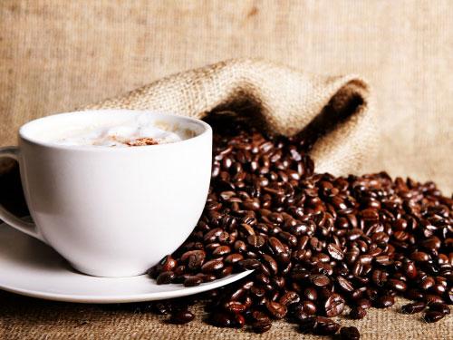 Propiedades de la cafeína para las ojeras