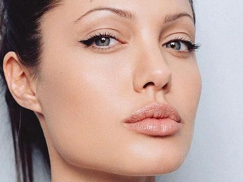 Trucos para mantener el maquillaje durante toda la noche