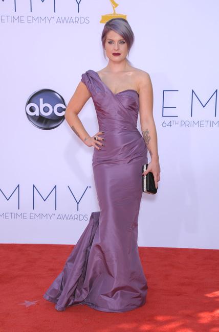 Kelly Osbourne luce la manicura más cara del mundo