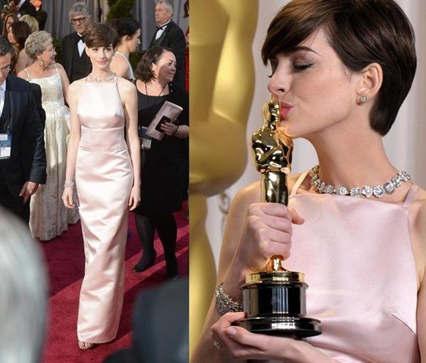 Anne Hathaway recibe el Oscar como mejor actriz secundaria