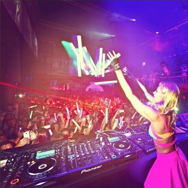 Paris Hilton se despide un año más de Ibiza