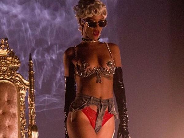 Rihanna, inmune a las censuras