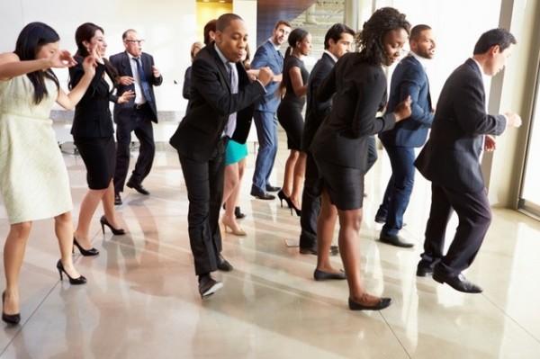 Bailar en la oficina, la nueva propuesta para luchar contra el sedentarismo