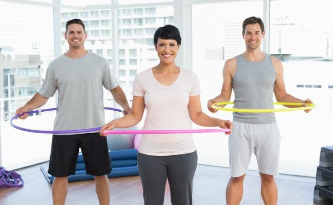 El hula-hoop es una buena forma de conseguir un mejor abdomen