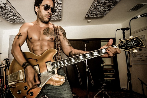 Lenny Kravitz está preparando un nuevo álbum llamado Strut