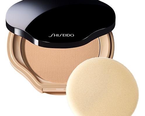 Compact Natural Perfecteur, un producto que promete una piel lisa sin un acabado acartonado