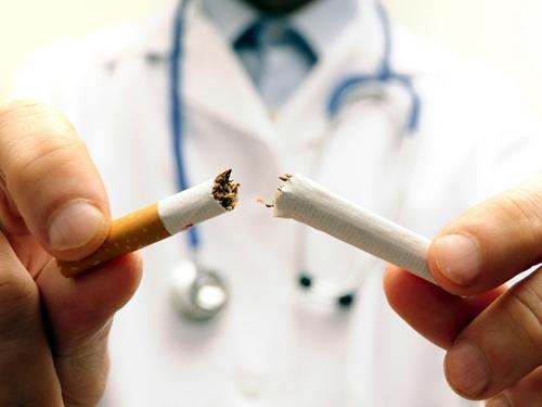 Motivos por los que engordamos cuando dejamos de fumar
