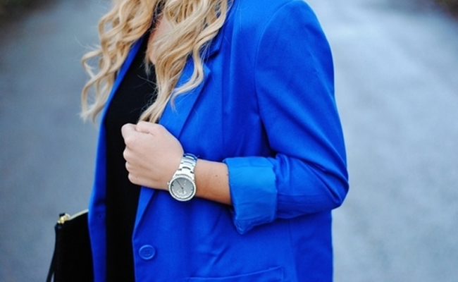 El azul cobalto conquista al otoño