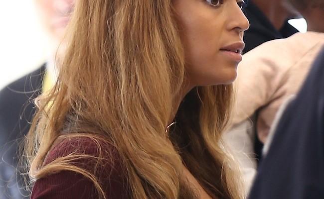 El flequillo corto vuelve a ser tendencia y Beyoncé se hace con él