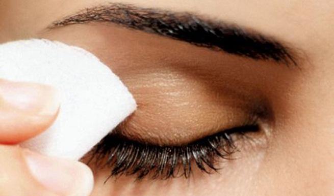 Cómo podemos eliminar el maquillaje waterproof